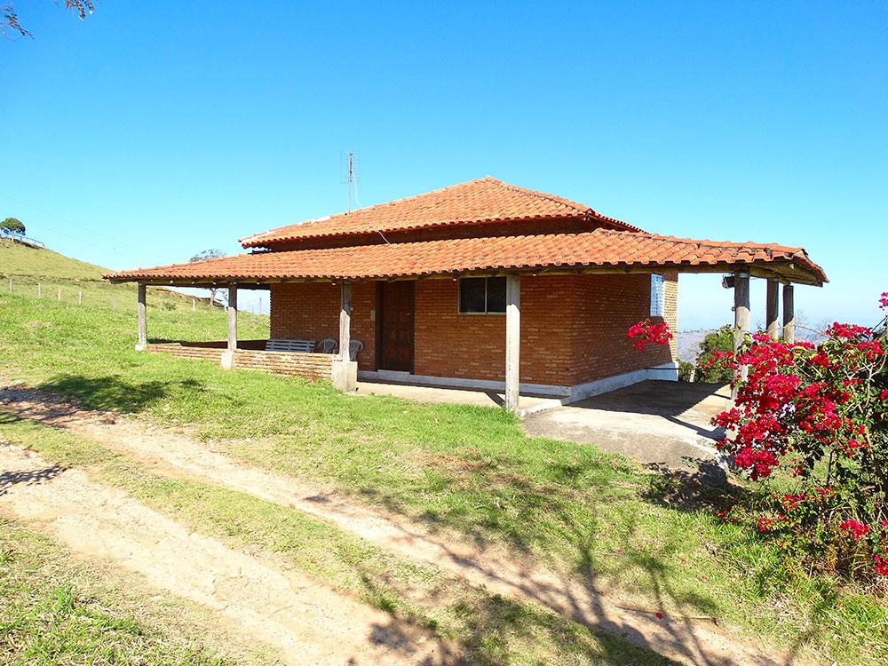 http://www.pousadarural.com.br/wp-content/uploads/2015/08/casa_da_porteira.jpg